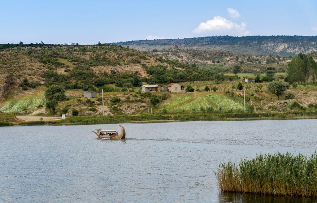 Kral Midas Kayığı, Emre Gölü