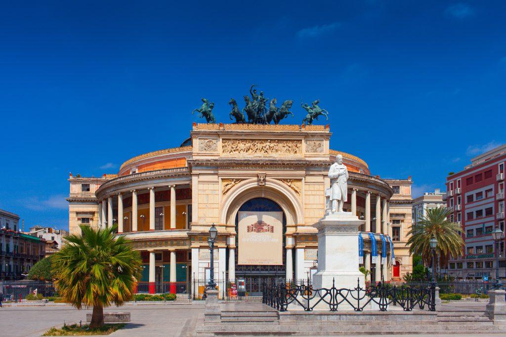 Politeama Meydanı, Sicilya