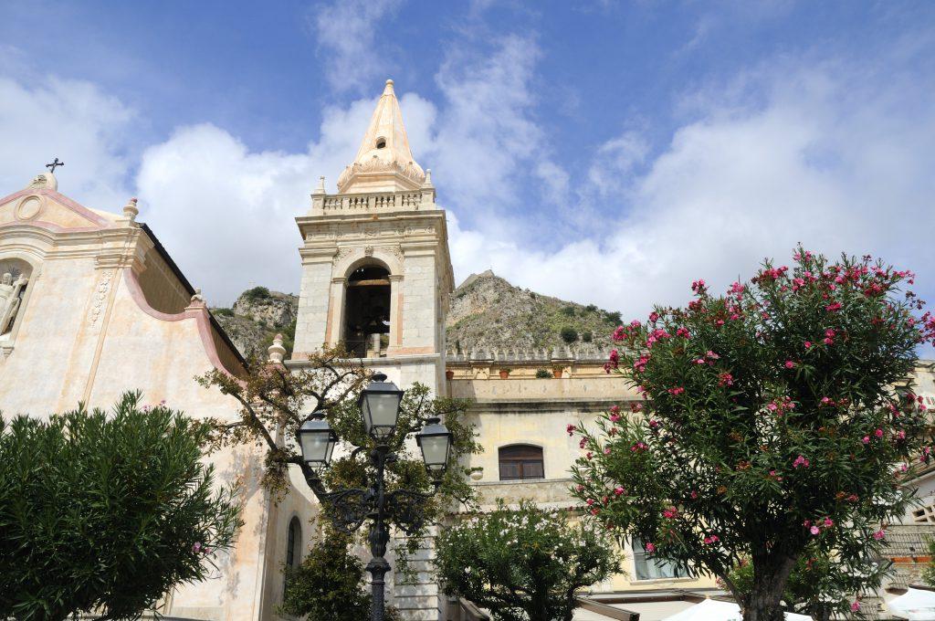 Aziz Joseph Kilisesi- San Guiseppe Meydanı, Sicilya