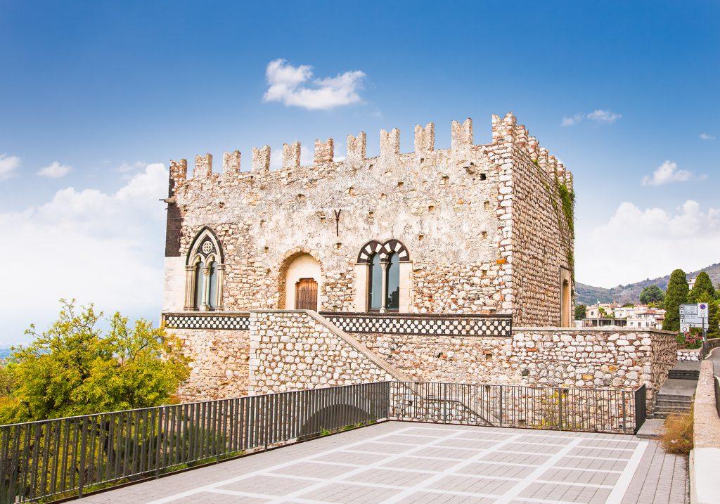 Taormina Kalesi, Sicilya