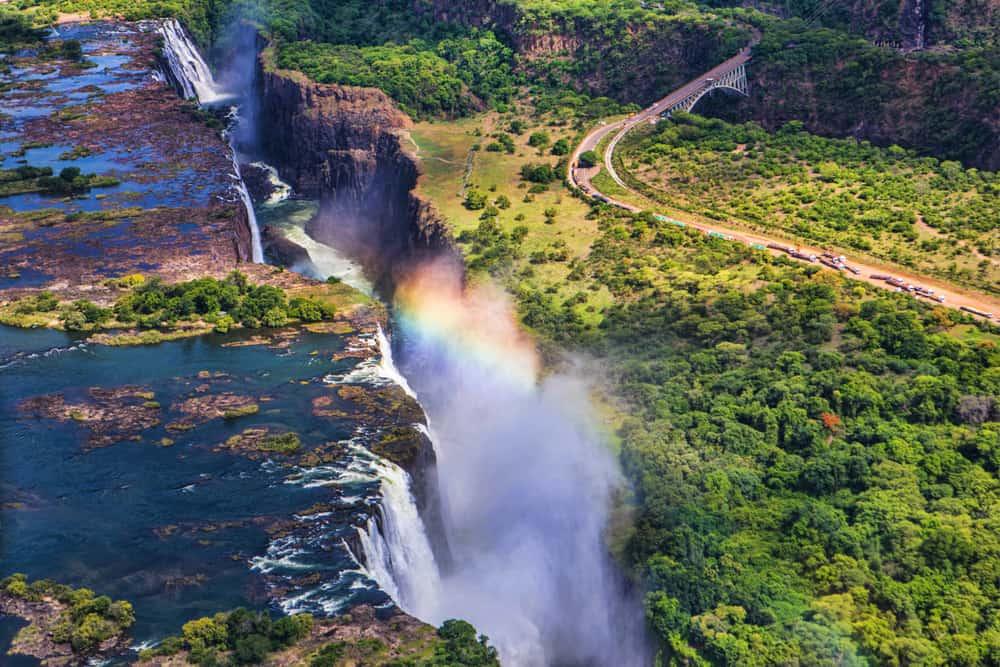 Victoria Şelaleleri, Zimbabwe – Zambiya Sınırı